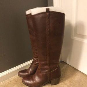 EUC Lucky Brand Boots Sz 8